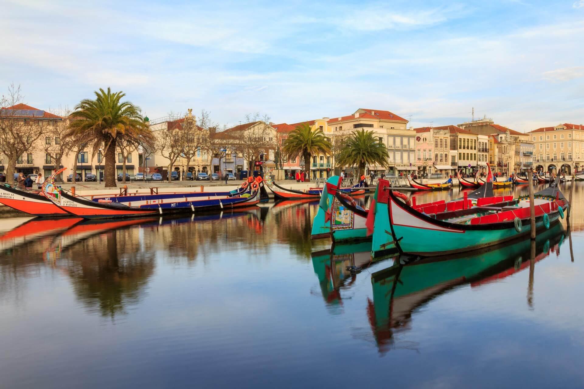 moliceiros boats in the Aveiro canal